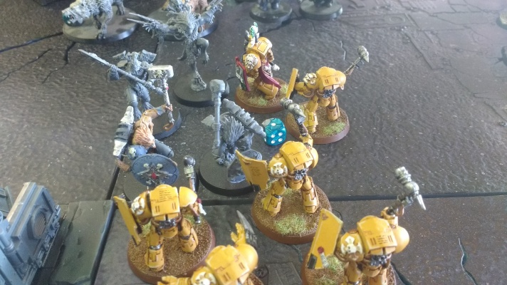 Imperial Fists terminators fight wulfen