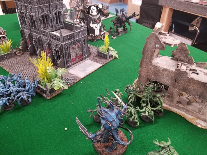 Swarmlord and Genestealers