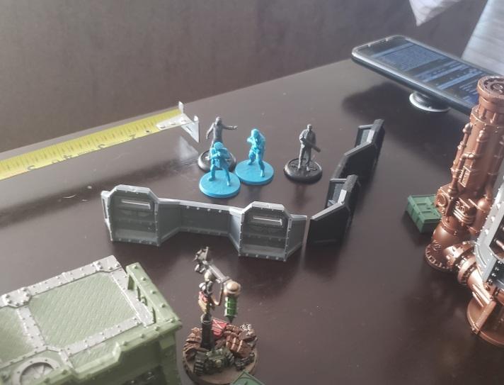 Vibe, Harry, Agent 1, & Lerida setup on one flank